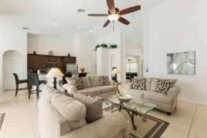 448 Belfry Home, Apartments  Davenport - big - 23