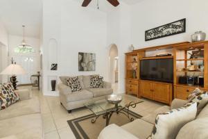 448 Belfry Home, Apartments  Davenport - big - 27
