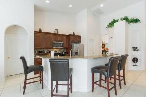 448 Belfry Home, Apartments  Davenport - big - 30