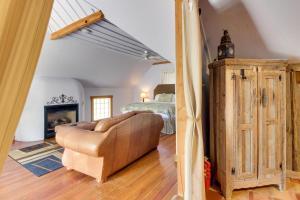 Wine Country Farmhouse, Apartmány  Fredericksburg - big - 73