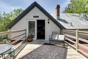 Wine Country Farmhouse, Apartmány  Fredericksburg - big - 65