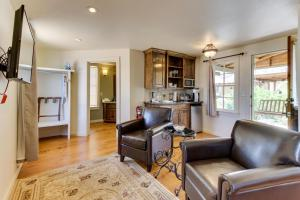 Wine Country Cottages on Main, Дома для отпуска  Fredericksburg - big - 42