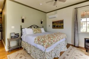 Wine Country Cottages on Main, Дома для отпуска  Fredericksburg - big - 48