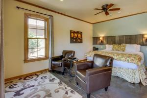 Wine Country Cottages on Main, Дома для отпуска  Fredericksburg - big - 30