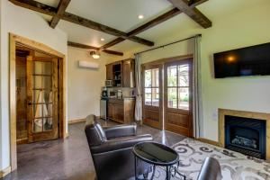 Wine Country Cottages on Main, Дома для отпуска  Fredericksburg - big - 5