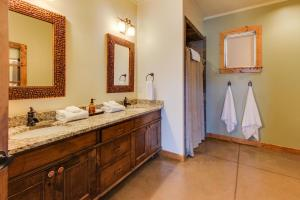 Wine Country Cottages on Main, Дома для отпуска  Fredericksburg - big - 19