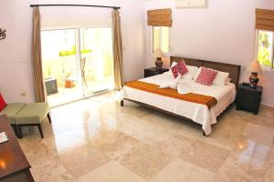Izcalli Luxury Villa, Vily  Playa del Carmen - big - 12