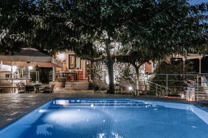 Villa Rosebud, Виллы  Никиана - big - 11