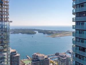 Noel Suites - York and Bremner, Apartmány  Toronto - big - 15
