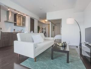 Noel Suites - York and Bremner, Apartmány  Toronto - big - 18