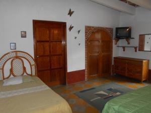 Quinta Cobos, Alloggi in famiglia  Tequisquiapan - big - 17