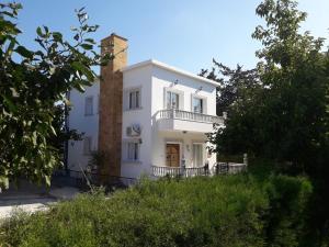 Stefanos holiday villa