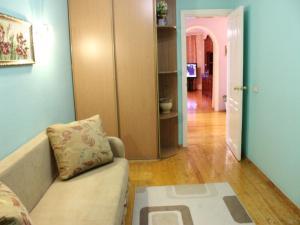 Apartment on Studencheskom proezde 19