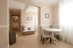 Signoria Suite Apt. 2, Apartments  Florence - big - 15