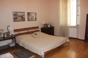 Charming Apartment in the Heart of Town, Ferienwohnungen  Tbilisi City - big - 1