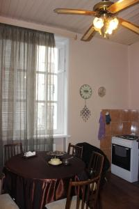 Charming Apartment in the Heart of Town, Ferienwohnungen  Tbilisi City - big - 13