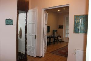 Charming Apartment in the Heart of Town, Ferienwohnungen  Tbilisi City - big - 15