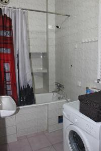 Charming Apartment in the Heart of Town, Ferienwohnungen  Tbilisi City - big - 16