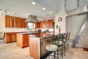 Executive Canal Home and Dock, Дома для отпуска  Gulf Breeze - big - 17