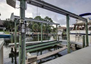 Executive Canal Home and Dock, Дома для отпуска  Gulf Breeze - big - 38