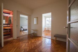 Epicenter Apartment - фото 5