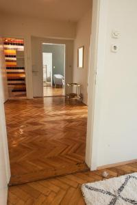 Epicenter Apartment - фото 4