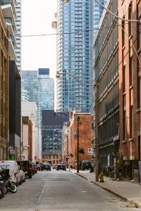 QuickStay - Luxury Executive in Yorkville (Yonge & Bloor), Apartmány  Toronto - big - 59