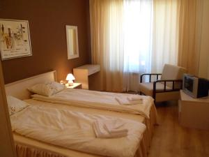 Cedar Lodge 3/4 Self-Catering Apartments, Apartments  Bansko - big - 11