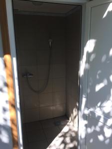 Guest house Zolotoy bereg, Affittacamere  Pizunda - big - 24