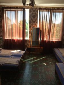 Guest house Zolotoy bereg, Affittacamere  Pizunda - big - 6