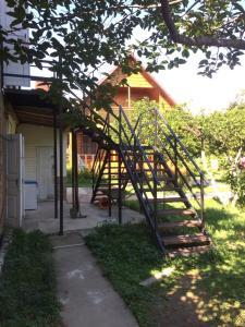 Guest house Zolotoy bereg, Affittacamere  Pizunda - big - 14