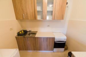 Simon Apartment, Апартаменты  Подгорица - big - 3