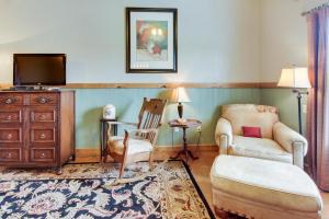 Historic Rocky Hill: Malbec Suite, Case vacanze  Fredericksburg - big - 10