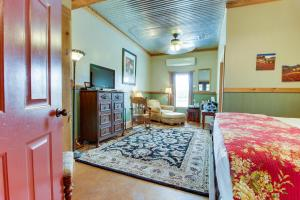 Historic Rocky Hill: Malbec Suite, Holiday homes  Fredericksburg - big - 9