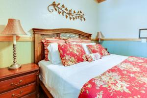 Historic Rocky Hill: Malbec Suite, Holiday homes  Fredericksburg - big - 3