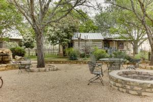 Historic Rocky Hill: Malbec Suite, Case vacanze  Fredericksburg - big - 30