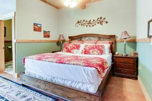 Historic Rocky Hill: Malbec Suite, Case vacanze  Fredericksburg - big - 25