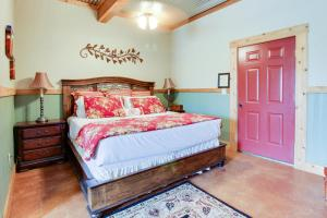 Historic Rocky Hill: Malbec Suite, Holiday homes  Fredericksburg - big - 11