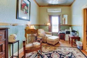 Historic Rocky Hill: Malbec Suite, Holiday homes  Fredericksburg - big - 20