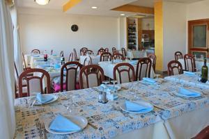Hotel Touring, Отели  Мизано-Адриатико - big - 70