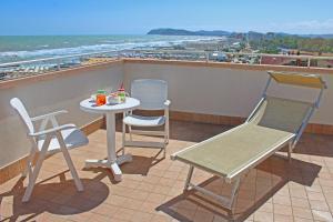 Hotel Touring, Отели  Мизано-Адриатико - big - 17