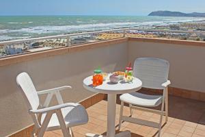 Hotel Touring, Отели  Мизано-Адриатико - big - 28