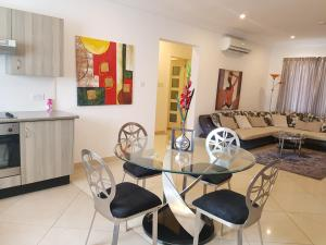 Westfields - 2 bedroom Apartment, East Legon, Apartmanok  Accra - big - 6