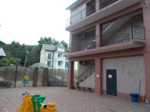 Мини-гостиница Плаза, Вардане