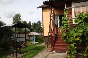 Cottage in Pushkinskie Gory