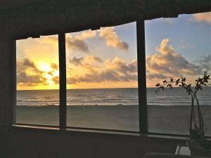 Oceanfront Condo 1 King Master Suite, Ferienwohnungen  Amelia Island - big - 57