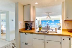 Oceanfront Condo 1 King Master Suite, Ferienwohnungen  Amelia Island - big - 56