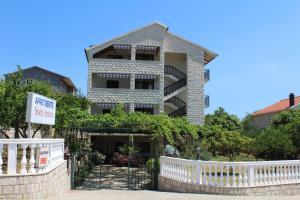 obrázek - Apartments Sveti Anton