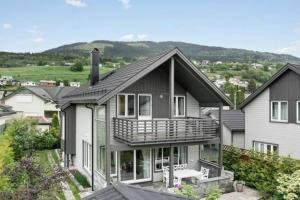 Beautiful house in central Voss