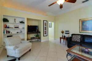 Peaceful Palms, Holiday homes  Naples - big - 26